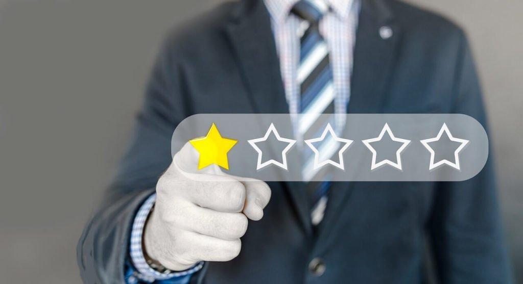 Comment lutter contre les faux avis en ligne ? - 1ère Position
