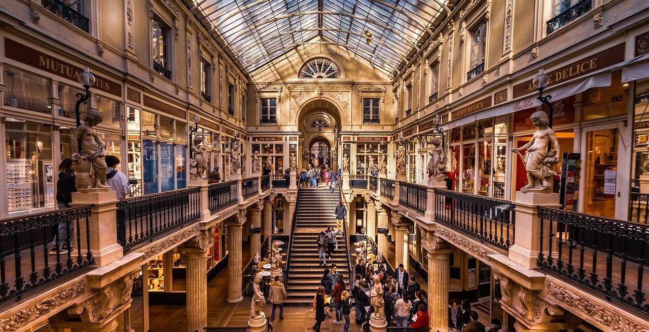 Galerie marchande de Nantes où est installé Open Linking